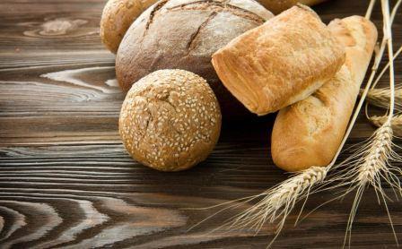 Tangan Dan Sedekah Sepotong Roti