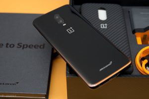 Limited Edition OnePlus 6T McLaren Edition