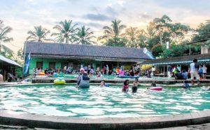 Objek Wisata Air Panas Cisolong dan Savanna Batu Kancah