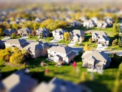Some Things to Note Before Deciding to Buy a House